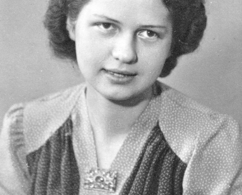 Ahnenforschung Tobolka Hilda Scheit Portraet